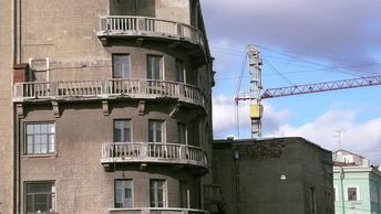 Недвижимость в Петербурге за год по росту цен обскакала Москву
