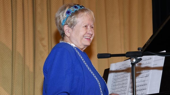 Маленькая Пахмутова грозила родителям сбежать в Москву с военными летчиками: Композитору исполнилось 89 лет