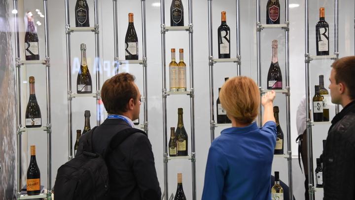С глаз долой: Правительство обяжет магазины прятать алкоголь от покупателей