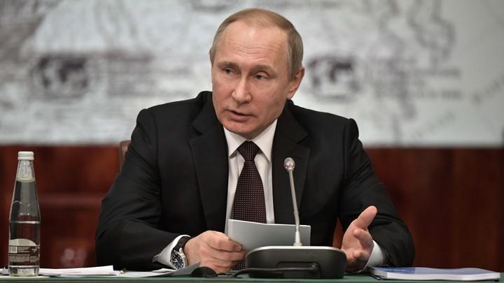 ЦИК одобрил собранные в пользу Владимира Путина подписи