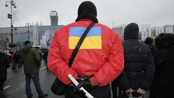 Украинского эксперта дважды уличили во лжи и заставили молчать