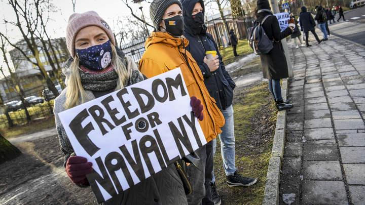 Полтавой повеяло? Шведы потребовали отомстить России за Навального
