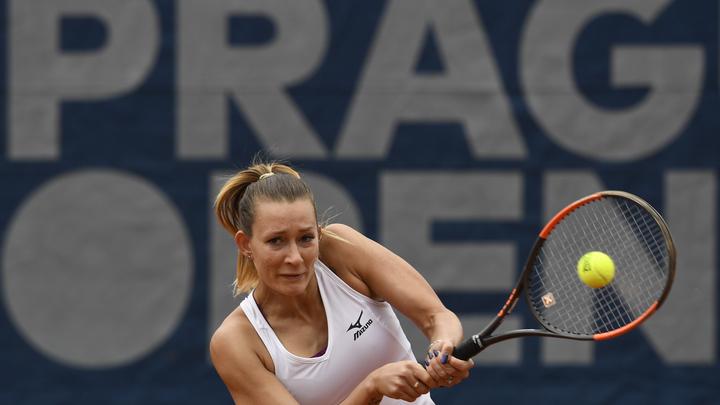 Задержанная в Париже теннисистка Сизикова может покинуть Францию