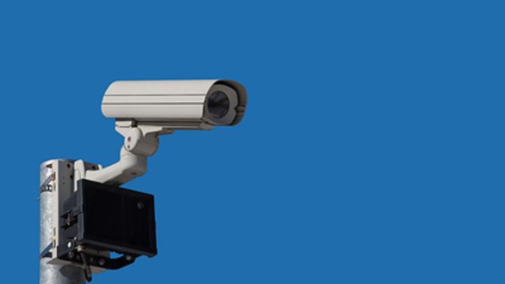 Автомобилистам грозит новый штраф: Тормозить перед камерами бесполезно