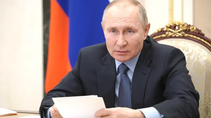 Я - за: Путин объяснил, почему волонтёров следует вовлекать в политику