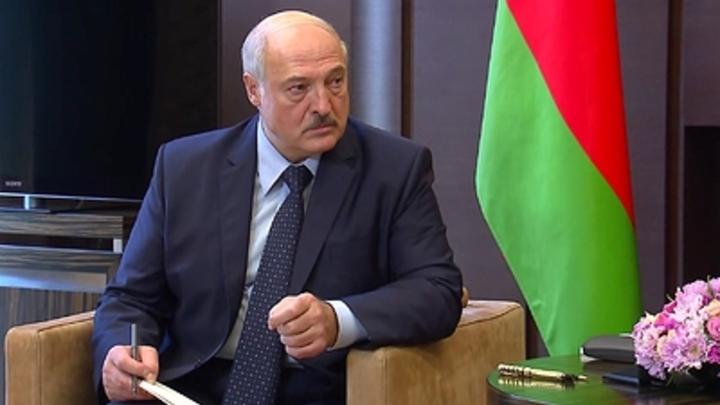 Послал на Кубу. Президент Беларуси Александр Лукашенко разобрался с кадрами
