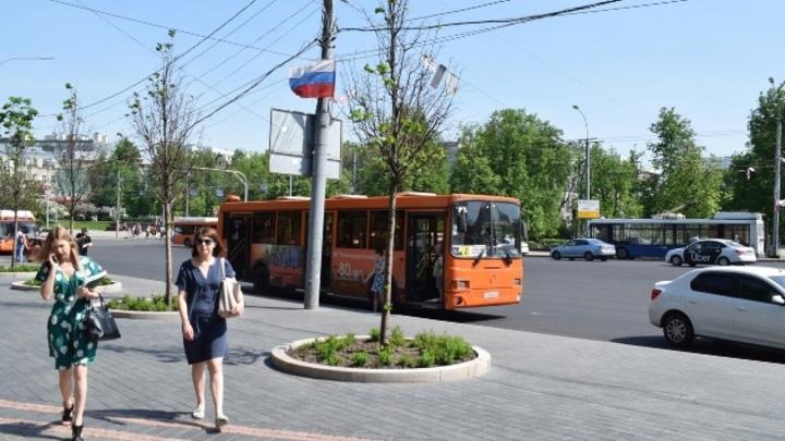 На площади Минина в Нижнем Новгороде более чем наполовину завершен ремонт дорог