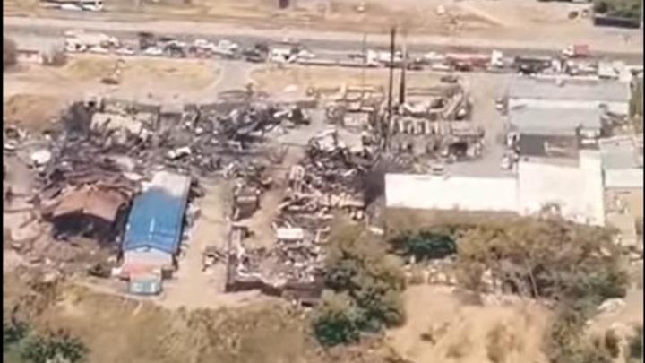 Сгоревшую газовую заправку в Новосибирске сняли на видео с самолёта