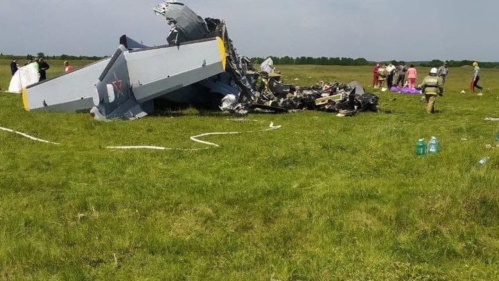 Донской парашютист пострадал при падении самолета в Кемеровской области