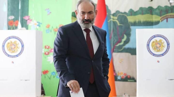 Пашинян позвал сторонников на вечерний митинг
