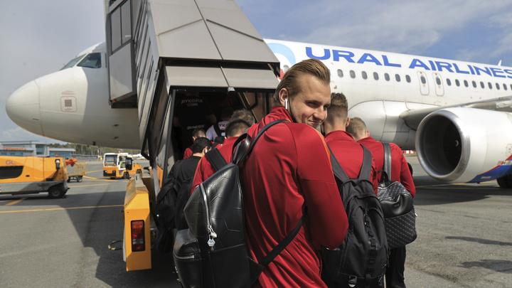 Самолёт «Уральских авиалиний» из-за поломки не смог вовремя улететь из Москвы в Екатеринбург