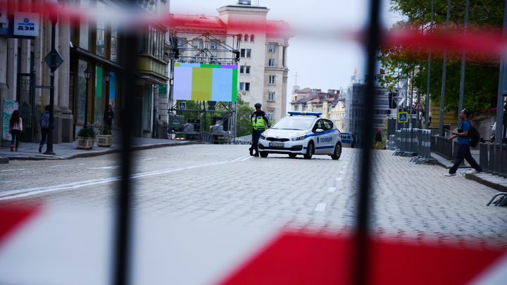 Полный шпионский набор - шляпа, очки и перчатки: В Болгарии на видео нашли отравителя Скрипалей