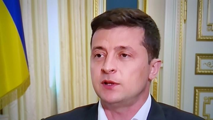 Выборы на Украине начались со скандала: Атакован Владимир Зеленский, бюллетени рвут