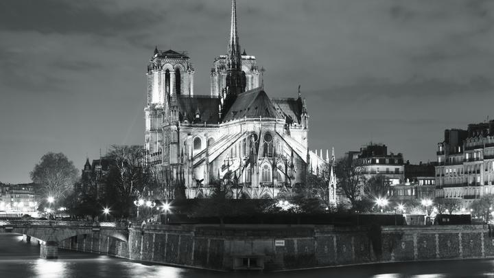 Пожар в Соборе Парижской Богоматери: Онлайн-трансляция