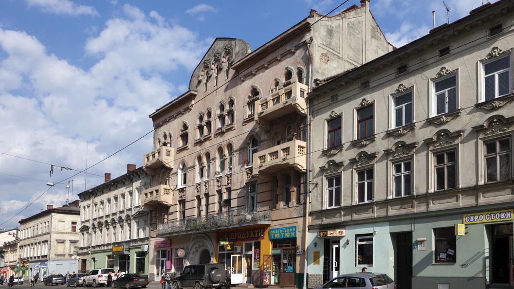 Во Львове совершили поджог двух зданий дочек российских банков