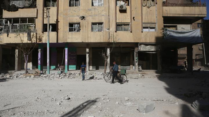 Теракт в Сирии: От взрыва фугаса в Дейр-эз-Зоре пострадали журналисты каналов НТВ и Звезда
