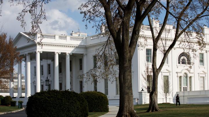 А что Трамп?: Белый дом может выслать из страны российских дипломатов, но боится ответки