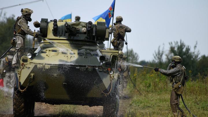 Киев приступил к «утилизации» населения Украины - эксперт о призыве женщин в ВСУ