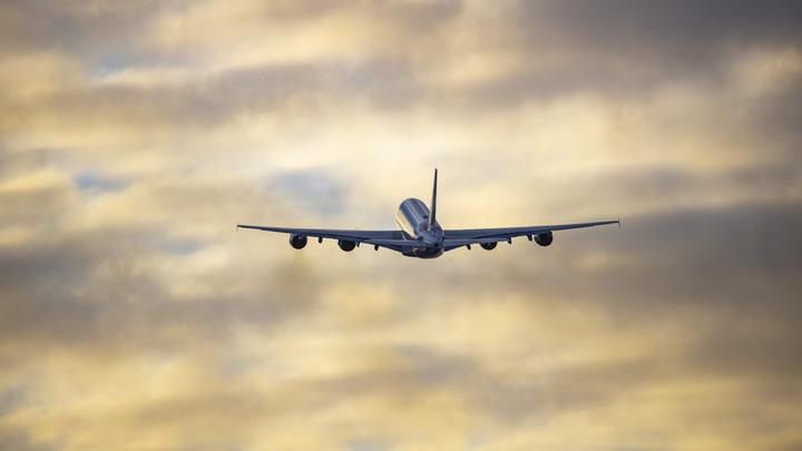 Самолёты придётся сажать по бумажным картам: Новая схема полётов в России грозит обернуться провалом