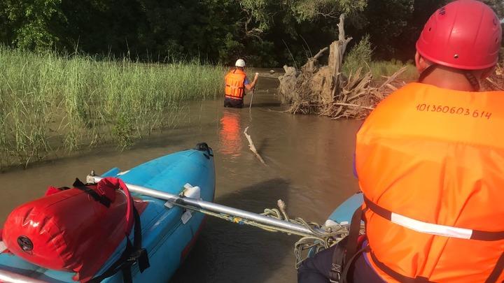 В Армавире 12-летняя девочка упала в реку Кубань, ее унесло течением
