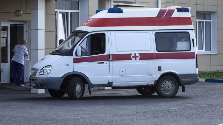 Вот они, 90-е!: Отказ поликлиник Москвы лечить приезжих вызвал скандал в соцсетях