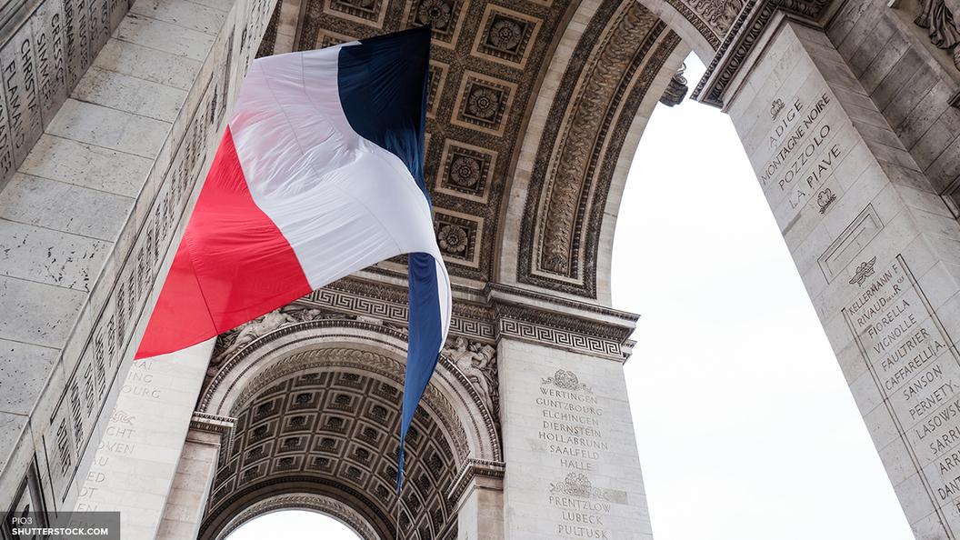 Явка вовтором туре выборов президента Франции может составить приблизительно 74%