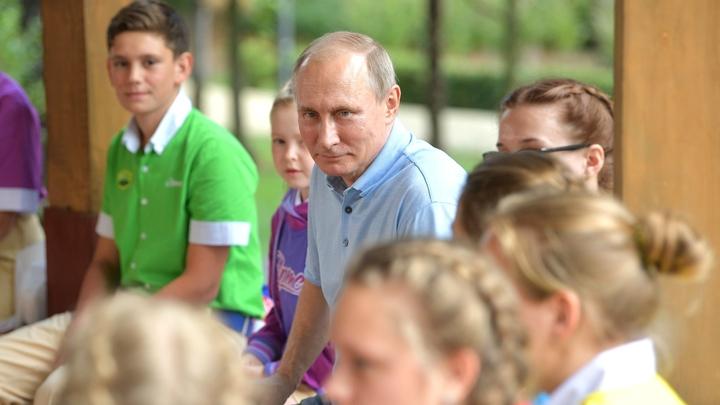 Путин пообещал не кусать детей и завещал им баловаться