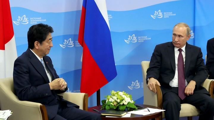 В Кремле прояснили, когда Путин и Абэ подпишут мирный договор