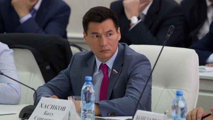 Основная задача - завоевать поддержку жителей: Хасиков рассказал, чем займется на посту временного главы Калмыкии