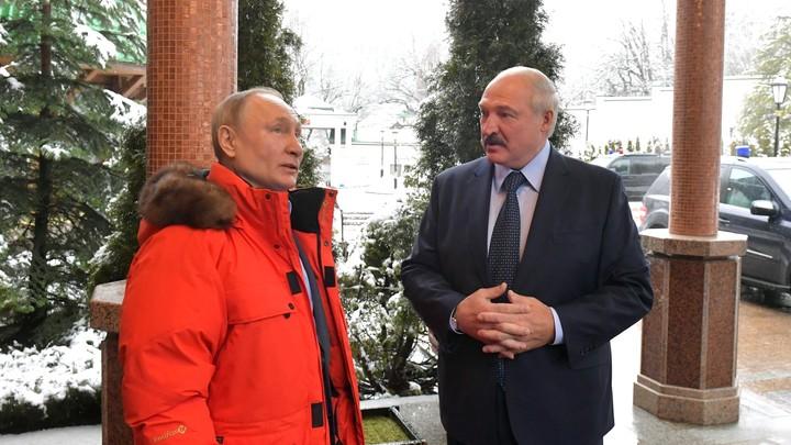 Хоккейные переговоры Путина и Лукашенко под знаком Газпрома попали на фото