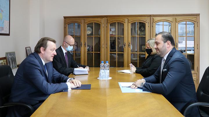 Из Европы с любовью: В МИД Беларуси прокомментировали новые санкции Запада