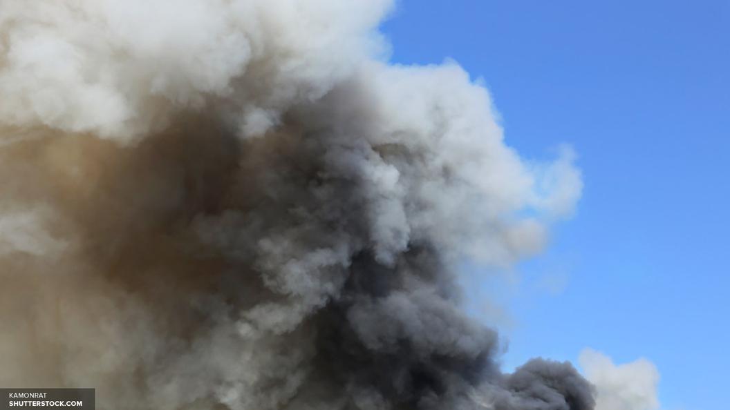 Украинцы гранатометом снесли крышу консульства Польши