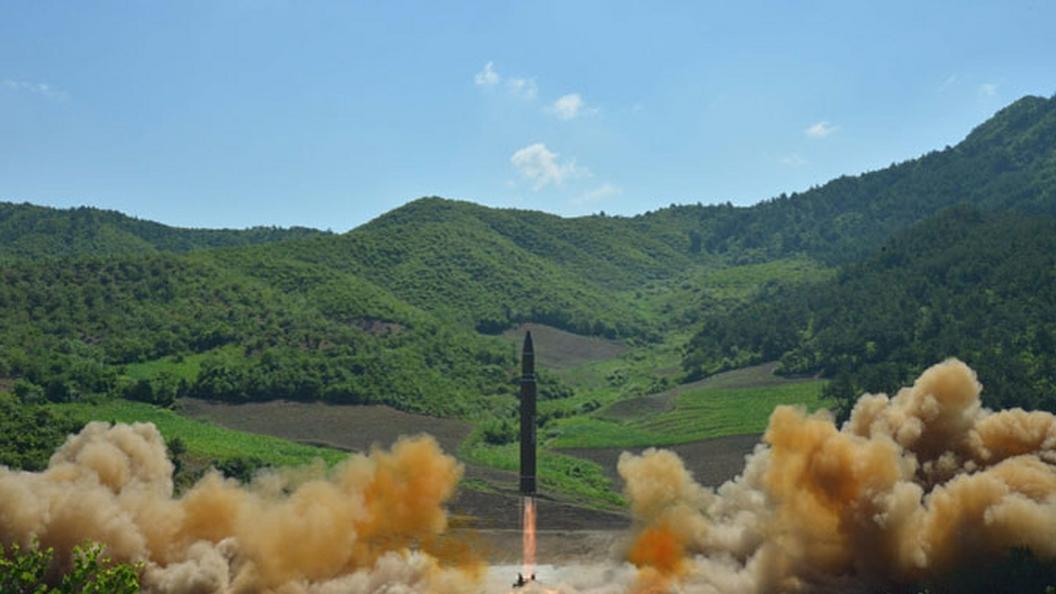СМИ говорили о падении фрагментов баллистической ракеты нагород вКНДР