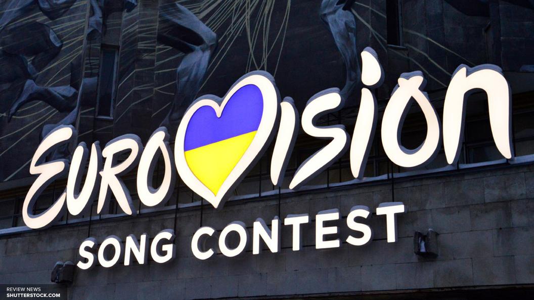 На время Евровидения Арку дружбы народов в Киеве превратили в инсталляцию содомитов