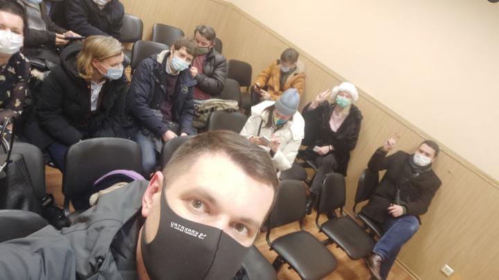В Санкт-Петербурге произошло массовое задержание депутатов прямо на заседании