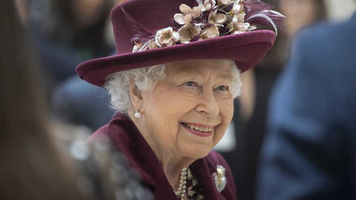 Ужасно грустно: Королева Великобритании может отказаться от престола из-за коронавируса