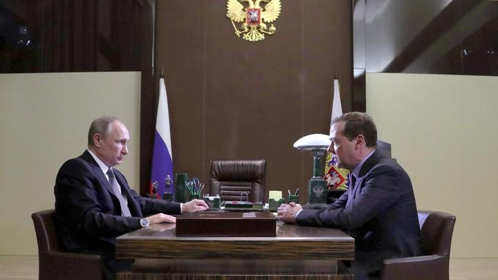 Кремль: Владимир Путин поздравил премьер-министра с днем рождения