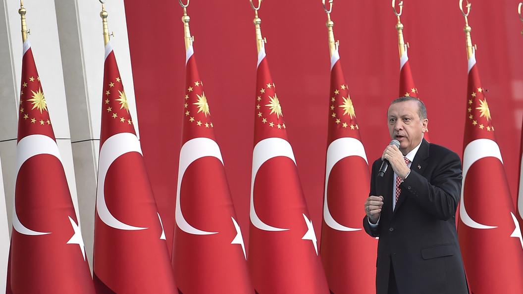 Турция будет жить в режиме ЧП еще три месяца