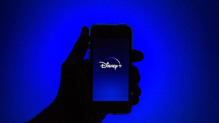 Слишком белые для Disney: Студия переписывает сценарии по расовому признаку