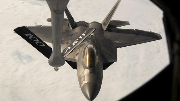 Япония сделает собственный истребитель пятого поколения на базе F-22