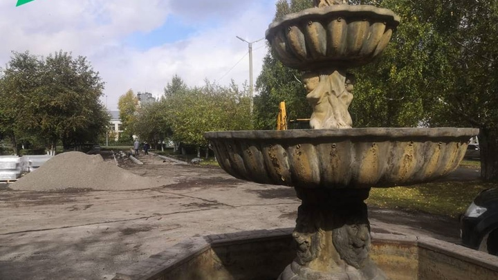 В беловском сквере появятся новые садовые диваны