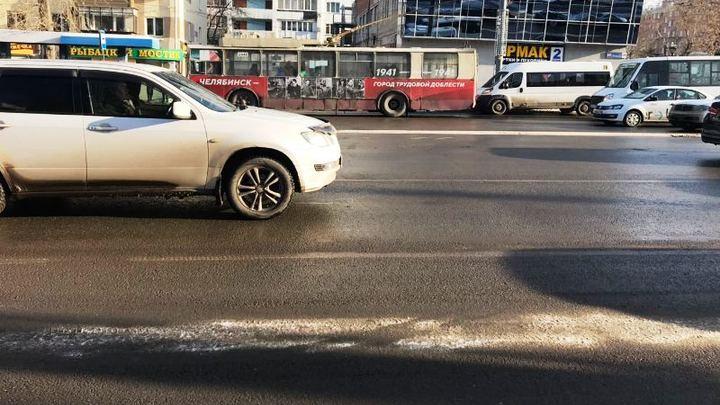 В Челябинске обезумевший клиент напал на женщину-таксиста с ножом