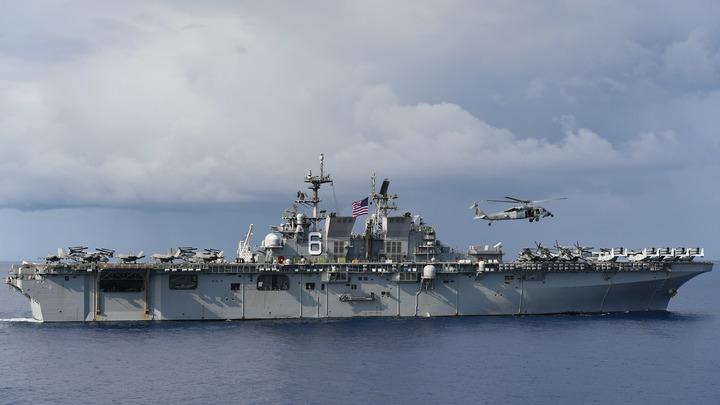 Он остаётся: США не намерены направлять к берегу авианосец Теодор Рузвельт