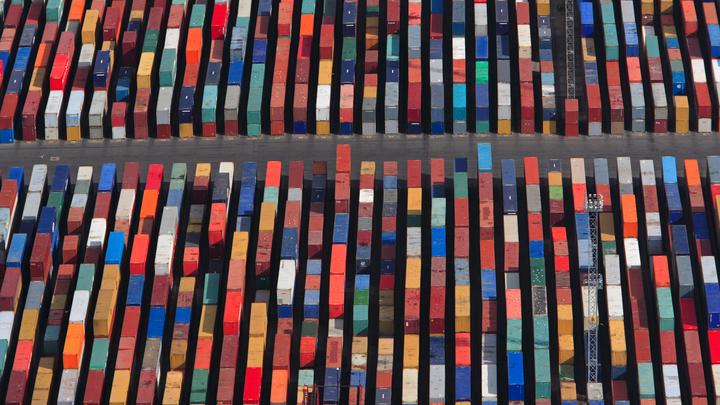 Безопасность превыше опасных грузов: Работу портов ограничат на время ЧМ-2018