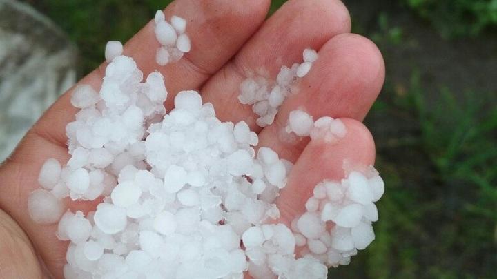 В Башкирии опубликовали видео снежных сугробов в августе