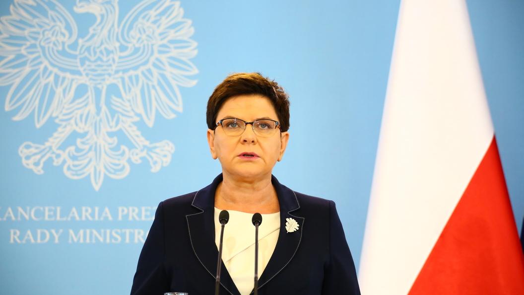 Польский премьер вступила в перепалку с Макроном о трудовых мигрантах