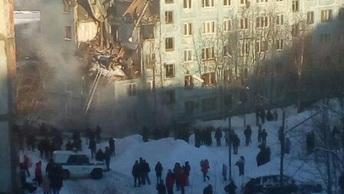 Толпы зевак и гул спецтехники: Видео Царьграда с места ЧП в Мурманске