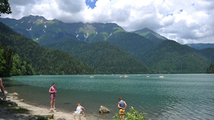 Когда откроют въезд в Абхазию - туристам придётся ждать ещё неделю