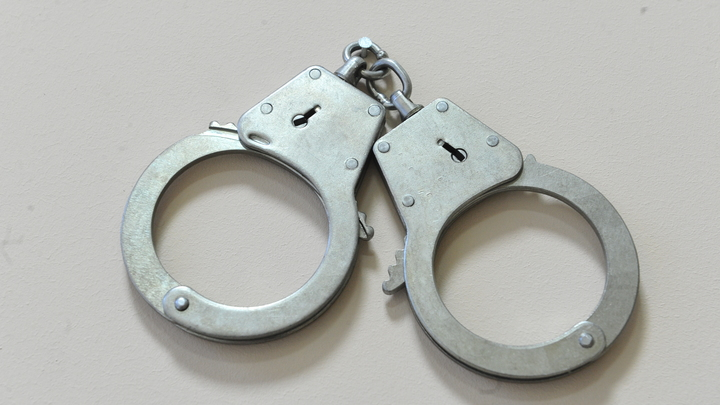Школьника из Ростовской области поместили под домашний арест за убийство отчима молотком для мяса
