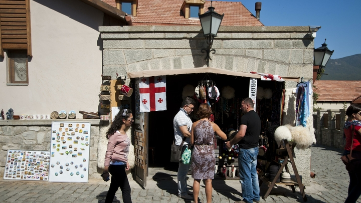 Всё дальше от России: Половина Грузии проголосовала за НАТО и ЕС